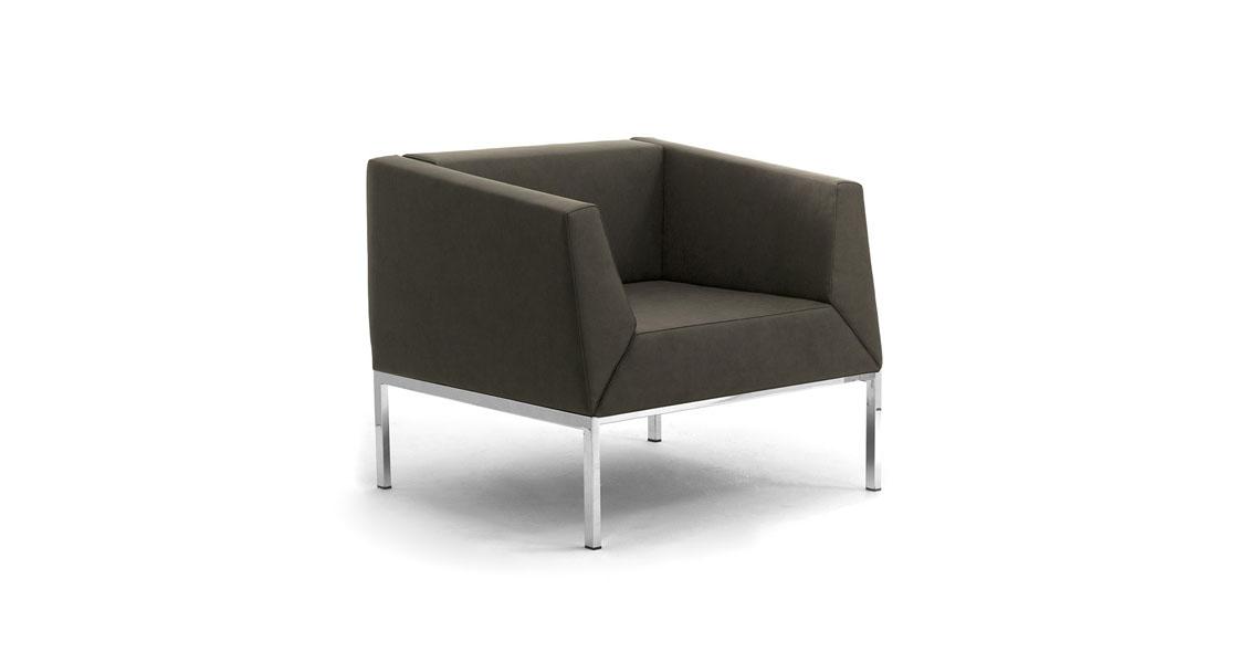 Poltrone e divani per sala attesa con carica batteria usb for Poltrone per studio
