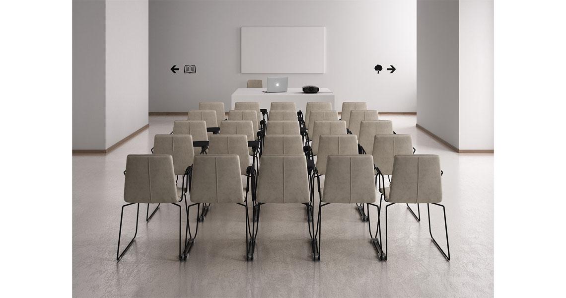 Sedie per sala riunioni e corsi con ribaltina leyform for Arredi biblioteche