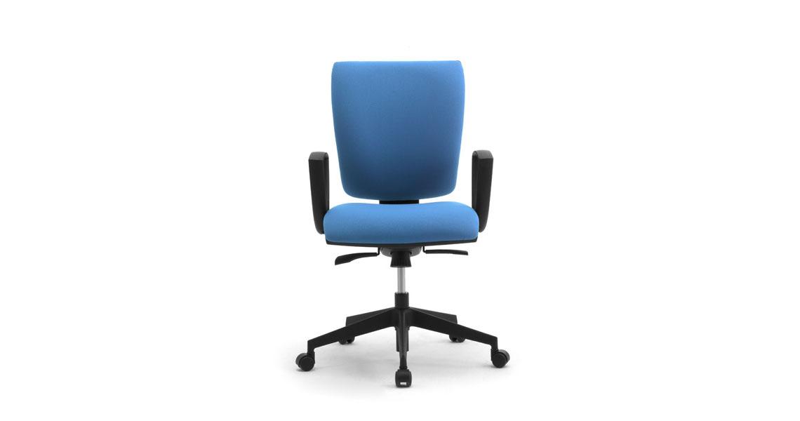 Sedia uffico bianca o grigia call centers a norma d lgs 81 for Sedia ufficio ikea bianca