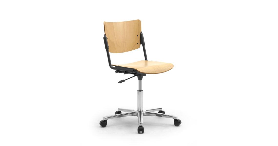 Sedia ufficio operativa con ruote leyform for Sedia ufficio rotelle