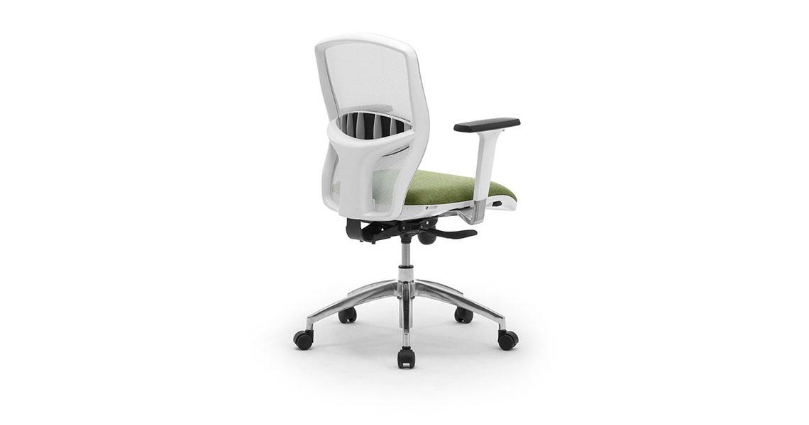 Fornitura Sedie Per Ufficio.Sedia Ufficio Girevole In Rete Traspirante Con Braccioli Leyform
