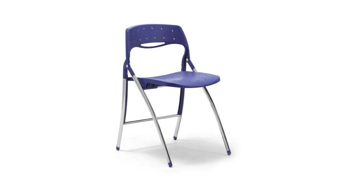 Sedie salvaspazio pieghevoli per sale polivalenti e spazi ...