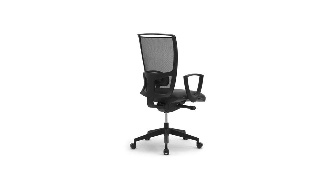 Sedie E Poltrone Ergonomiche.Sedie E Sedute Ergonomiche Per Ufficio Coworking Con Rete