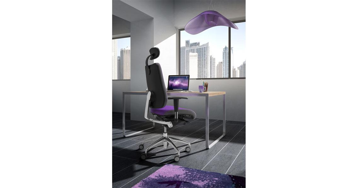 Sedie per scrivanie ufficio con computer leyform for Sedie ufficio design