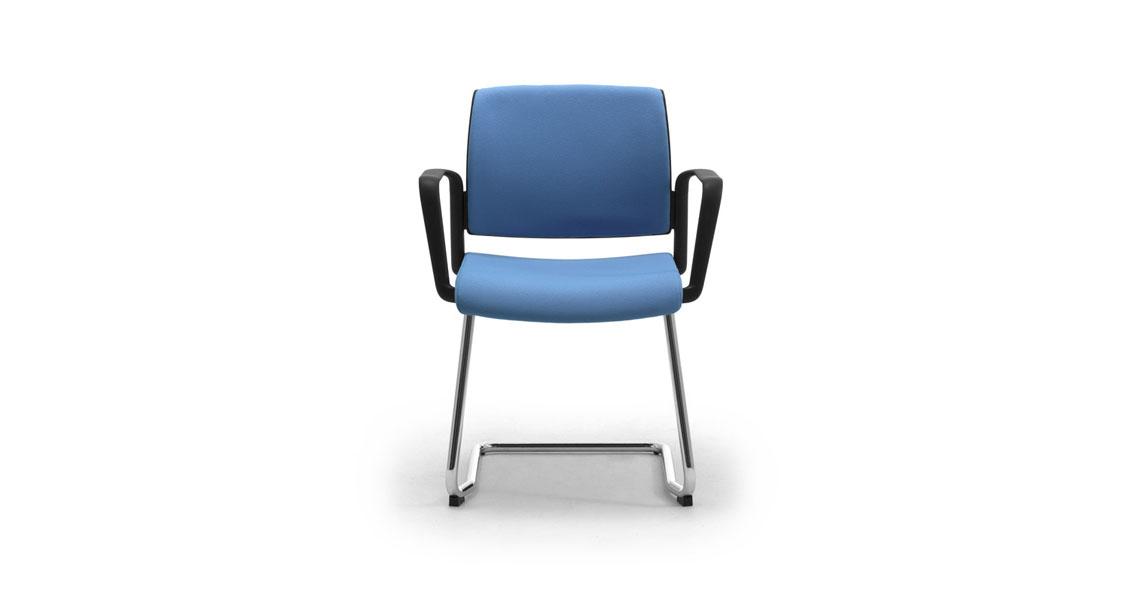 Sedie e poltrone da tavolo e sala riunione sedie per for Sedie contemporanee